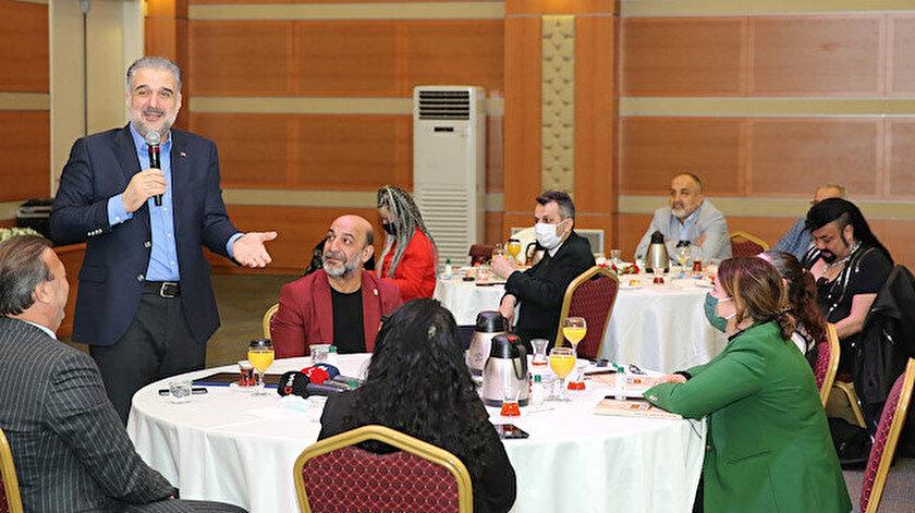 AK Parti İstanbul İl Başkanı Osman Nuri Kabaktepe, Roman temsilcileriyle buluştu: Hep beraber kardeş olduğumuza inanan bir anlayıştan geliyoruz