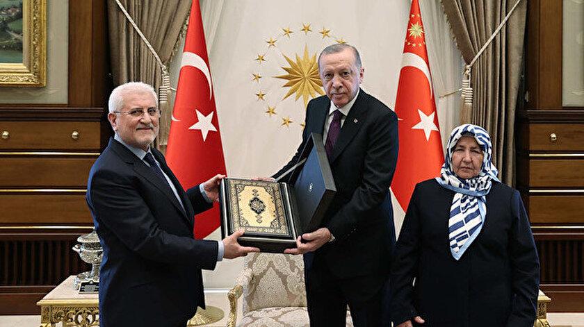 Cumhurbaşkanı Erdoğan, şehit savcı Mehmet Selim Kirazın anne ve babasını kabul etti
