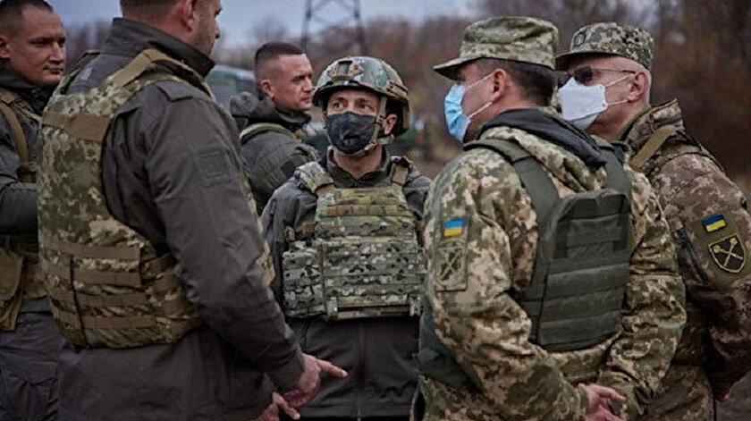 Ukrayna lideri Zelenskiyden tansiyonun yükseldiği Donbas'a moral ziyareti: Barış mesajı verdi