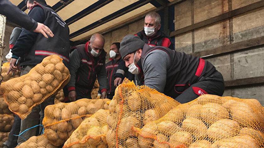 Cumhurbaşkanı Erdoğanın müjdesi çiftçileri sevindirdi: Patates ve soğan ücretsiz dağıtılmaya başlandı