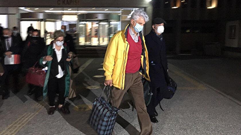 Bildiri soruşturmasında gözaltına alınıp ifadeye çağrılan 14 emekli amiral serbest bırakıldı