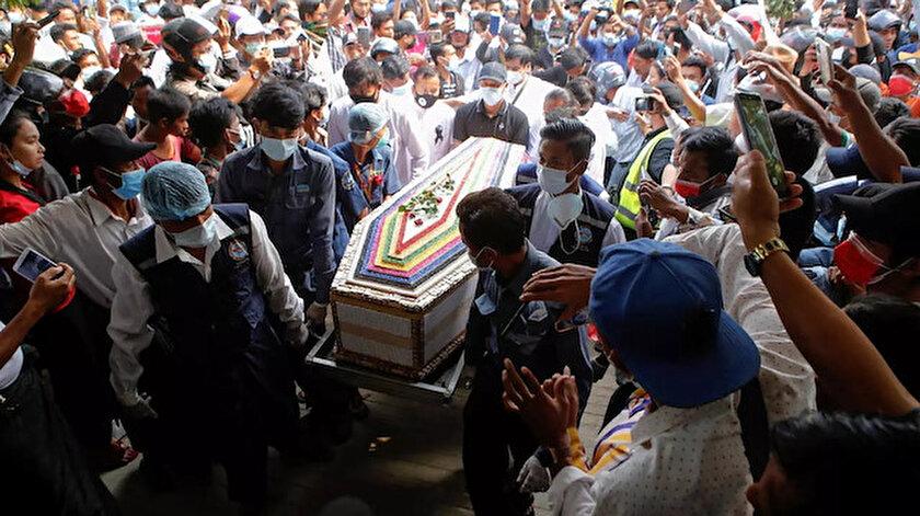Myanmarda ordunun öldürülen protestocuların ailelerinden cenazeler için 85 dolar istediği iddia edildi
