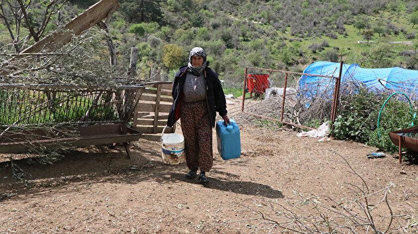 İzmirde su ihtiyacı tankerle karşılanan mahalle sakinleri yaşadıkları bölgeyi terk etmek üzere
