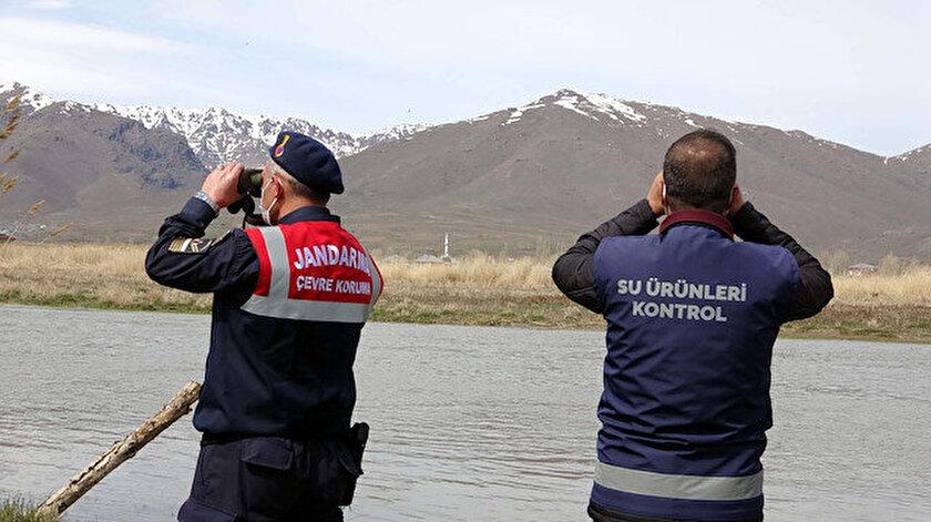 Van Gölünde yasağın ilk gününde 3 ton inci kefali ele geçirdi