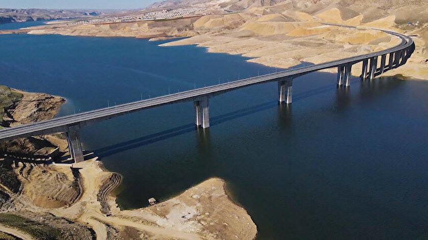 Türkiyenin en uzun köprüleri arasına girecek Hasankeyf-2 Köprüsü yarın hizmete alınacak