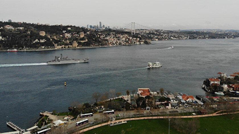 Rus savaş gemileri İstanbul Boğazı'ndan geçti: Drone ile görüntülendi