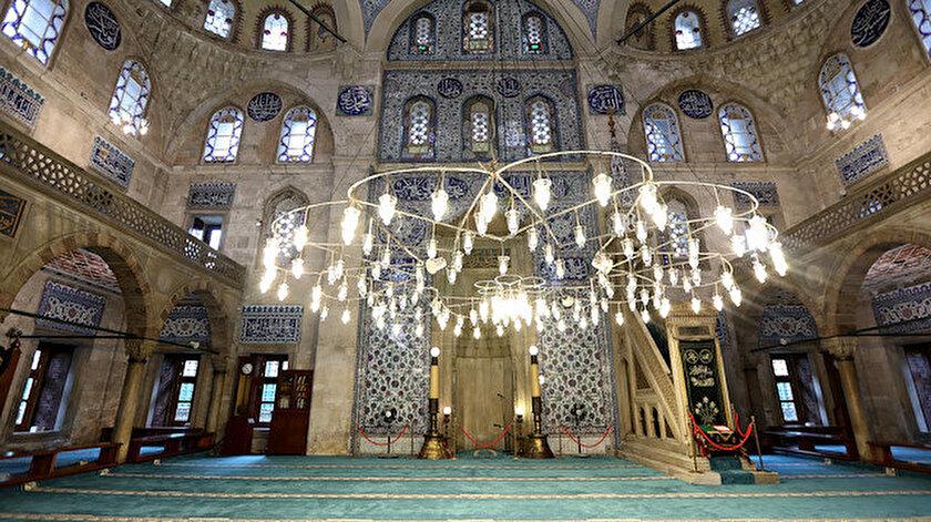 Sokullu Mehmet Paşa Camisinde cennetten gelen parçaları görmek mümkün