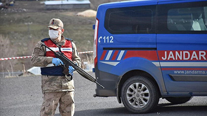 Kastamonuda karantinaya alınan köye giriş ve çıkışlar kapatıldı