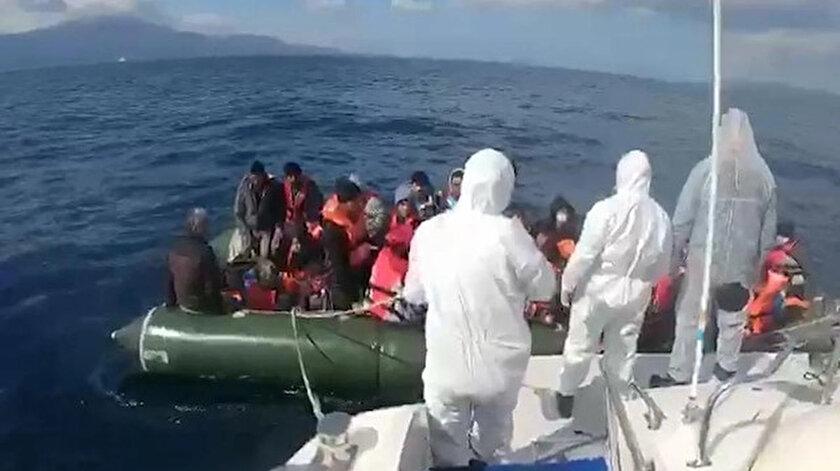 Yunanistan unsurlarınca geri itilen 18 göçmen Çanakkale açıklarında kurtarıldı