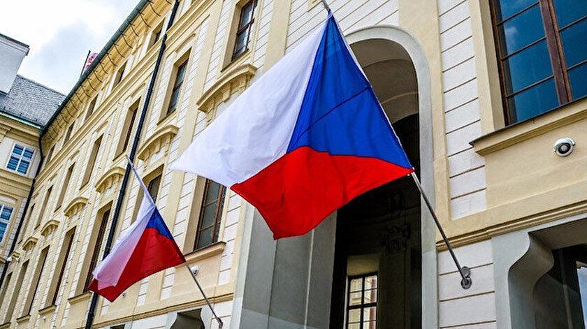 Çekya Rus diplomatları sınır dışı etmeye devam kararı aldıklarını açıkladı