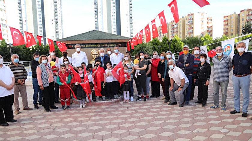 CHPli Mezitli Belediyesi Atatürk büstünü törenle açtı