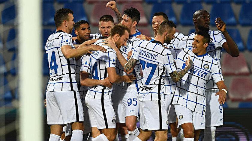 İtalya Serie Ada Juventusun şampiyonluk serisini Inter bozdu