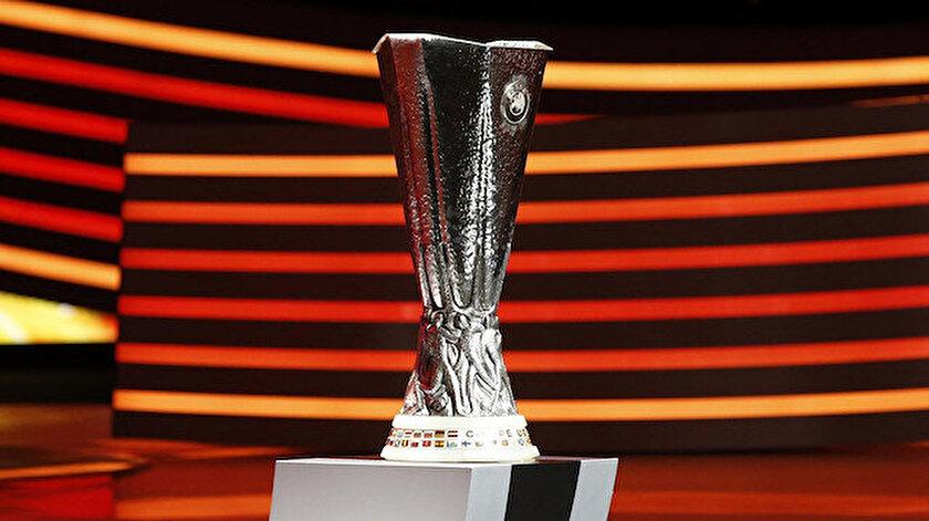 UEFA Avrupa Liginde finalistler belli oldu: Manchester United-Villarreal
