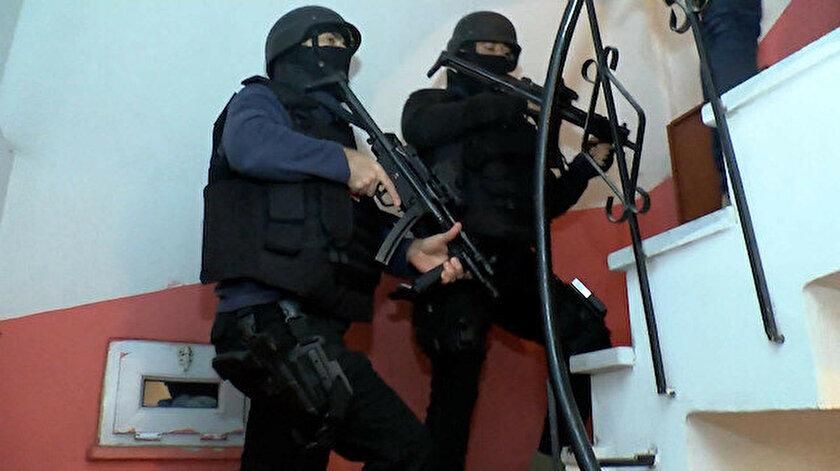 İstanbulun 10 ilçesinde DEAŞ operasyonu: Sekiz şüpheli yakalandı