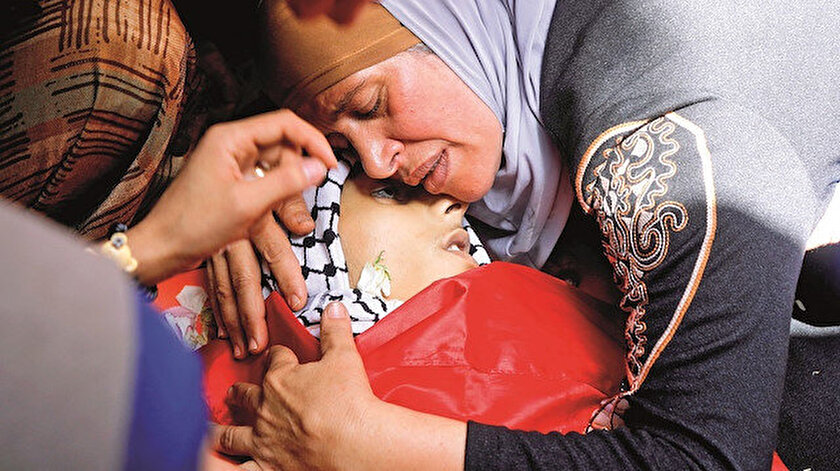 Gazze'de çocuklara bomba: Şehit sayısı 67'ye yükseldi - Yeni Şafak