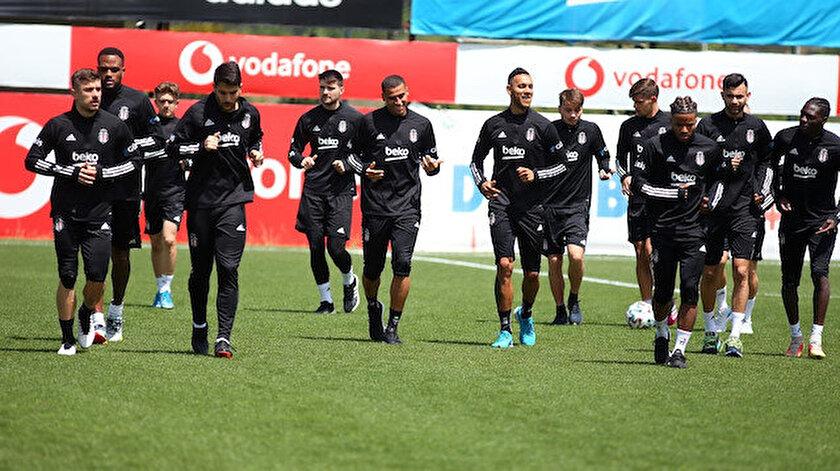 Beşiktaş tam kadro İzmire gidiyor