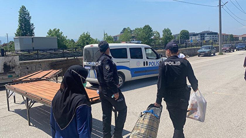 Polis yaşlılar için özel ekip kurdu: Eşyalarını pazardan evlerine kadar taşıdı