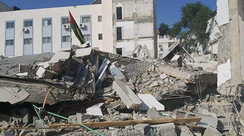 İsrail Gazze Şeridinde bakanlık binalarını bombaladı