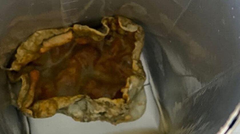 Turizm Bakanı Ersoy'un eşi paylaştı: Meyve suyu paketinden mide bulandıran cisim çıktı