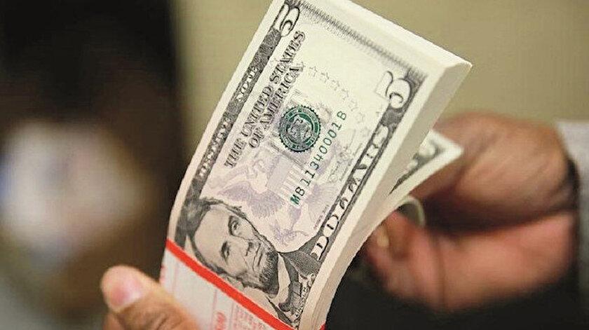 Ruslar doları siliyor