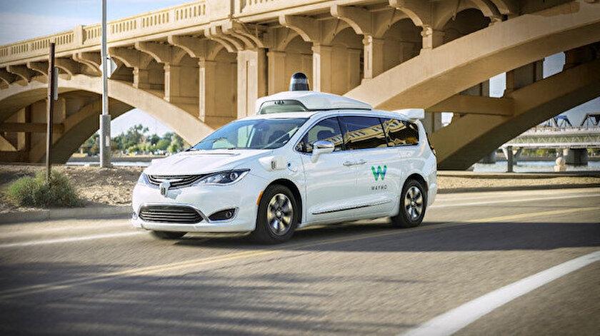 Google Haritalar doğrudan sürücüsüz araç çağırma özelliğiyle güncelleniyor
