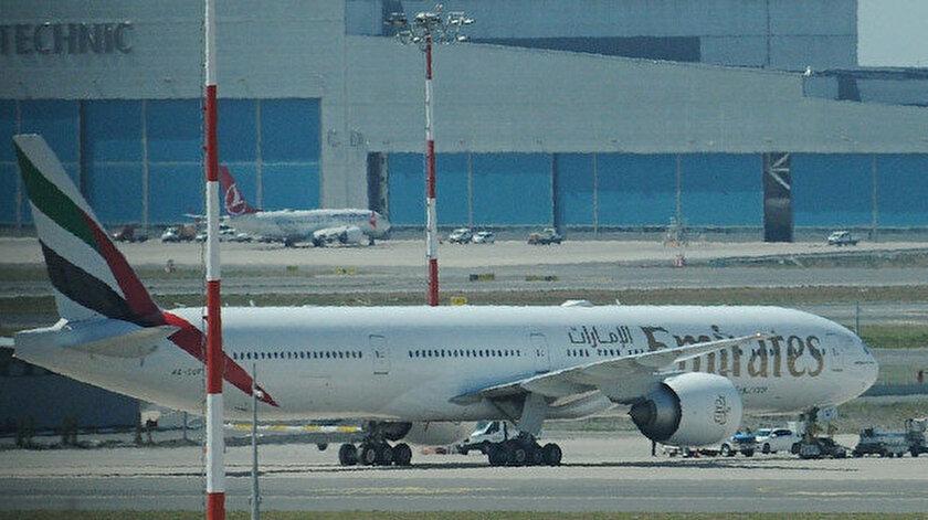 Yolcusu hastalanan Emirates uçağı İstanbul Havalimanına acil iniş yaptı