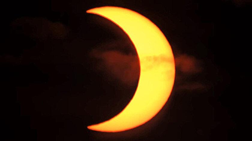 Kuzey yarımkürede halkalı güneş tutulması başladı