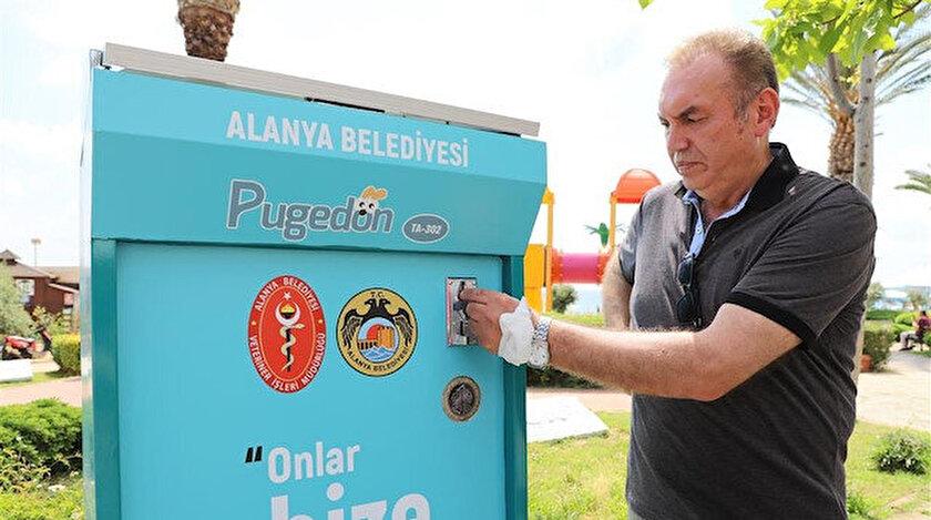 Alanya'da vatandaşlar bir lira karşılığı sokak hayvanlarını besleyecek
