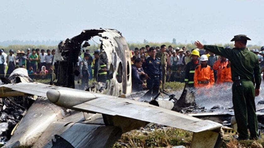 Myanmarda askeri uçak düştü: 13 ölü, 16 yaralı