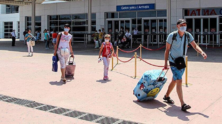 Rus turizmciler isyan etti: Türkiyede korona tablosu iyi uçuşlar yeniden başlasın