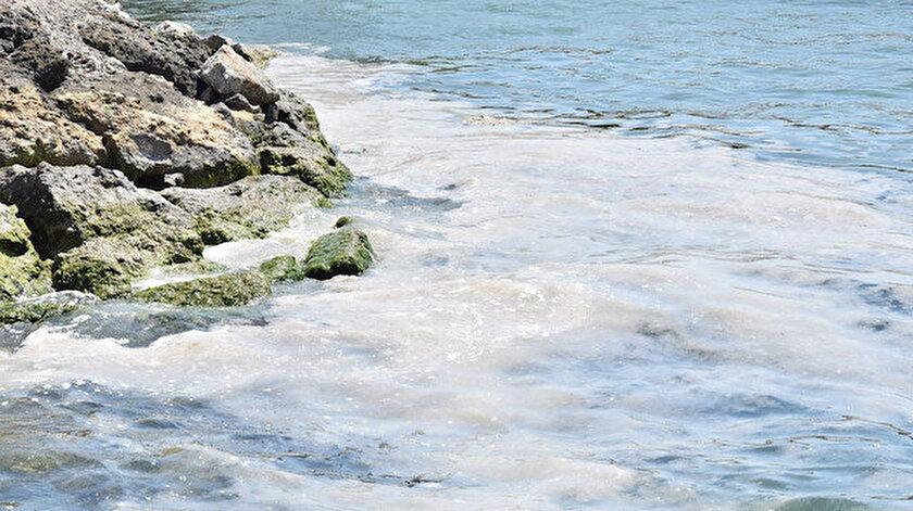 Lapseki sahillerinde denize girmek yasaklandı: Numunelerde bakteriyolojik uygunsuzluk tespit edildi