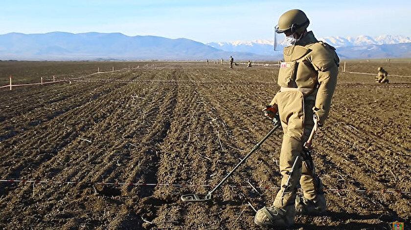 Ermenistan'dan 97 bin mayının haritasını alan Azerbaycan 15 esiri iade etti - Yeni Şafak