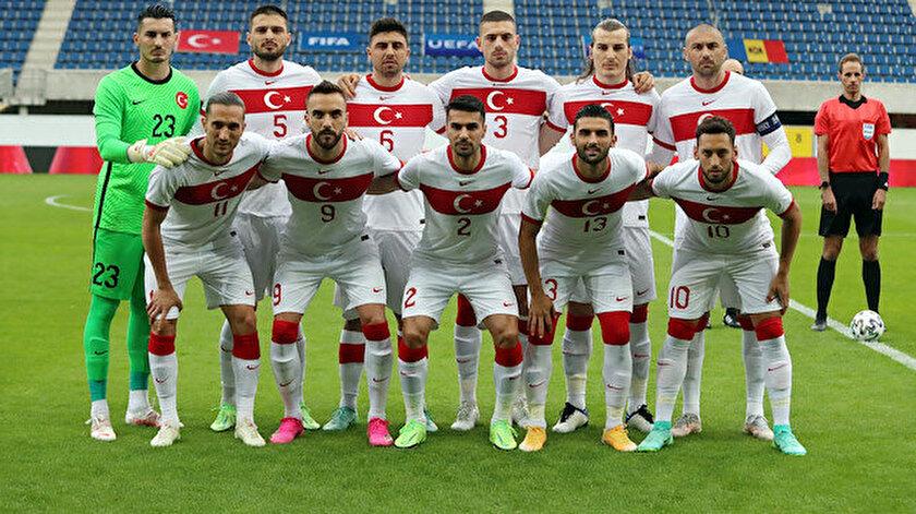 Hakan Çalhanoğlunun transferi için resmi yazı menajerine ulaştı