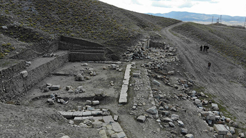 Romalıların Efes'ten sonraki en önemli kenti: 7 bin kişilik Apameia antik tiyatrosu gün yüzüne çıkıyor