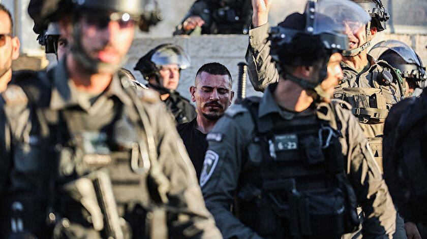 İşgalci İsrail askerleri Batı Şeriada 15 Filistinliyi gözaltına aldı