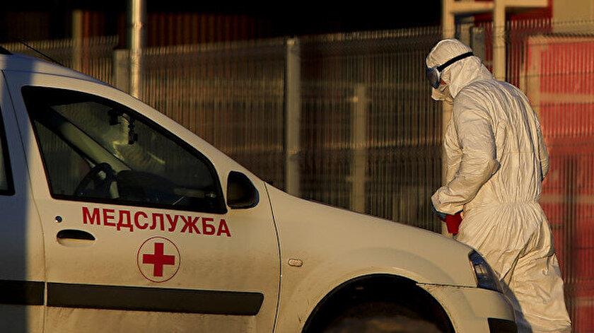 Rusyada koronavirüsün yeni varyantları salgın durumunu kötüleştirdi