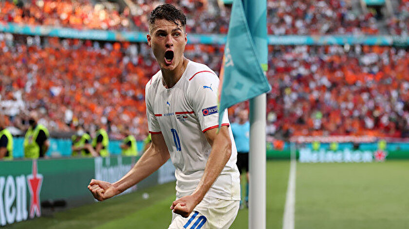 Çekya Hollandayı devirdi ve çeyrek finale yükseldi