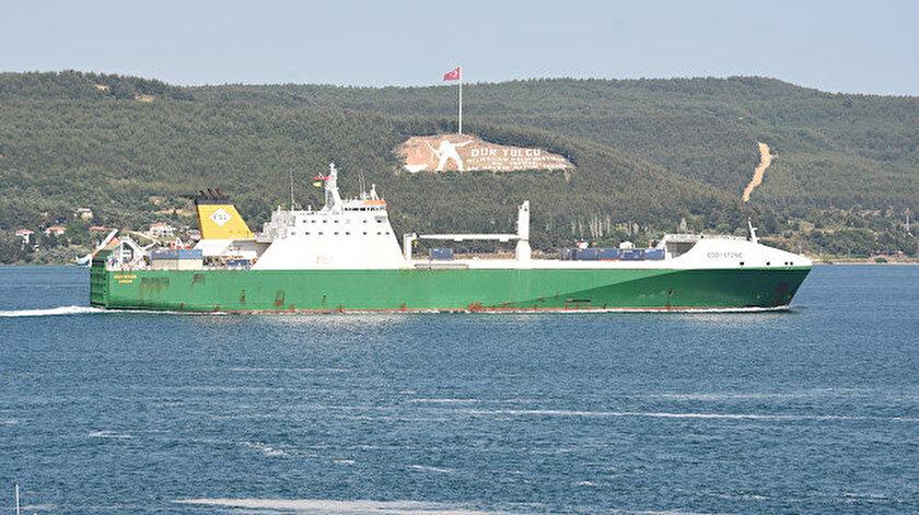 İngiltere devletine ait gemi Çanakkale Boğazından geçti