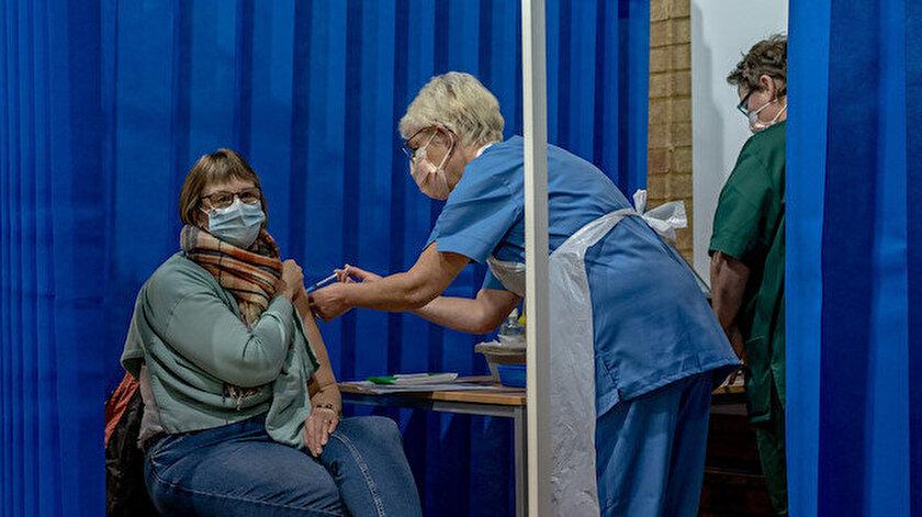 İngiltere'de iki doz aşı olan kişilere karantina uygulamayacak: Uygulama 16 Ağustosta başlıyor