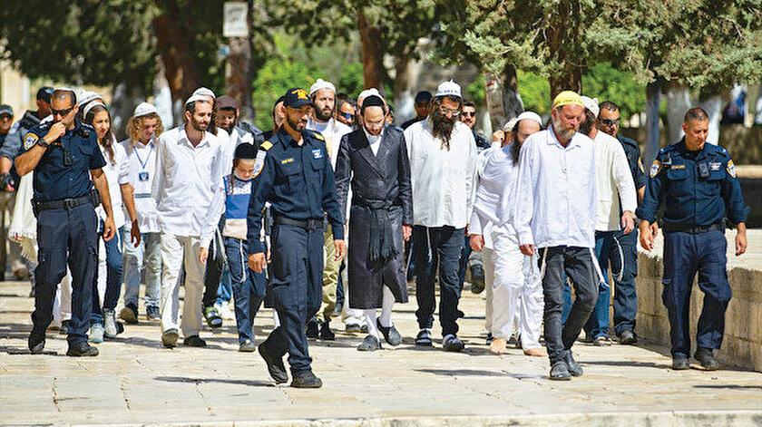 Kurban Bayramı öncesi fanatik Yahudilerden Mescid-i Aksada provokasyon