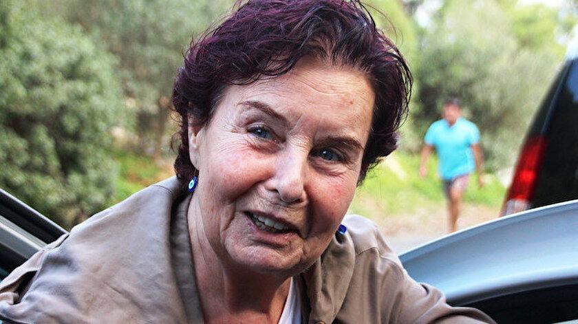 Yeşilçamın yıldızı Fatma Girik korkuttu: Hastaneye kaldırıldı