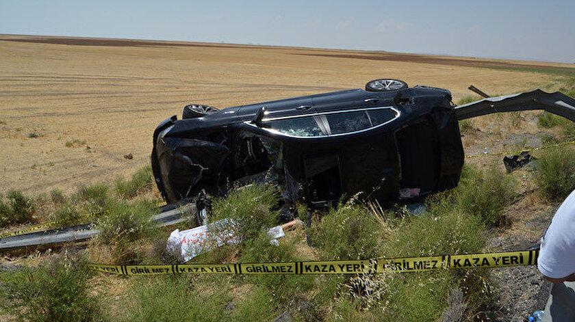 Aksarayda son dakika feci kaza: Bariyer otomobile saplandı iki kişi hayatını kaybetti