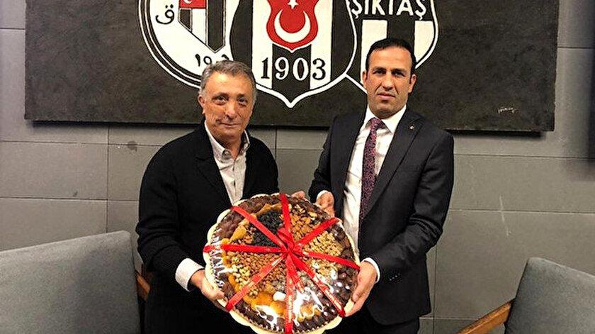 Beşiktaşlı Douglas Yeni Malatyaspora, Lens ise Fatih Karagümrüke transfer oluyor