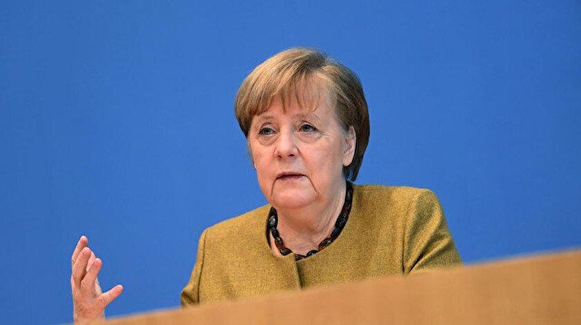 Almanya Başbakanı Merkelden Türkiye açıklaması: ABye üye olabileceğini sanmıyorum