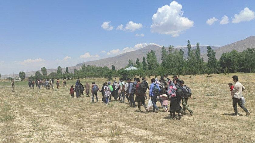 Sınırda kaçak göçmen mesaisi: Vanda 80 Afgan yakalandı