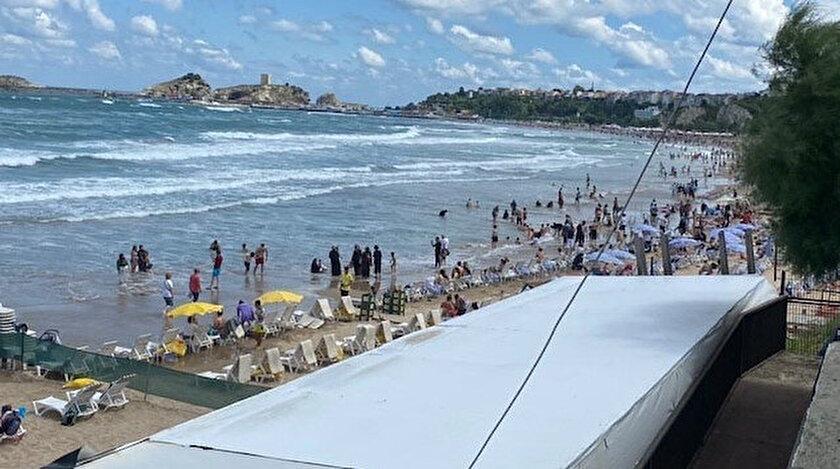 Şilede bir kişi boğuldu iki kişi kayıp: Denize girmek yasaklandı