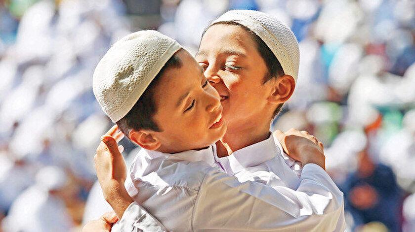 Prof. Dr. İsmail Lütfi Çakan Yeni Şafakın sorularını yanıtladı: İslam toplumu kardeşler topluluğudur