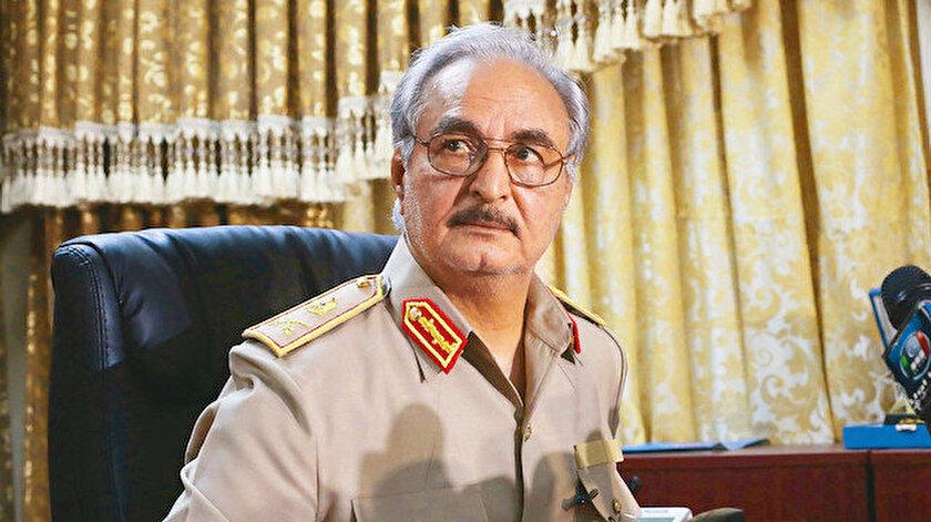 Libyadaki gayrimeşru silahlı güçlerin lideri Hafterden Tunustaki darbeye destek