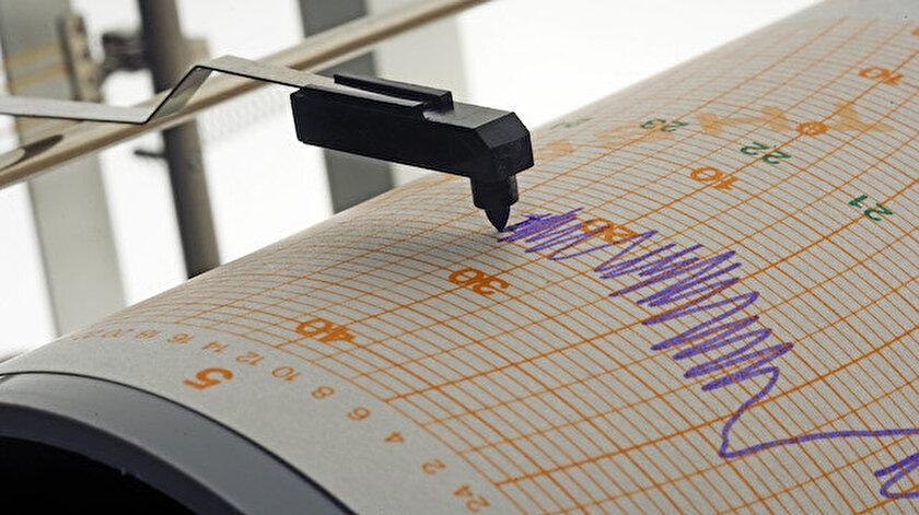 Endonezyada 6,2 büyüklüğünde deprem meydana geldi