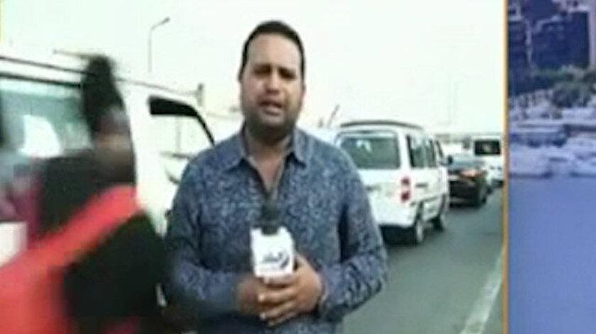 Canlı yayın yapan muhabire motosiklet çarptı: Ne olduğunu anlayamadan savruldu